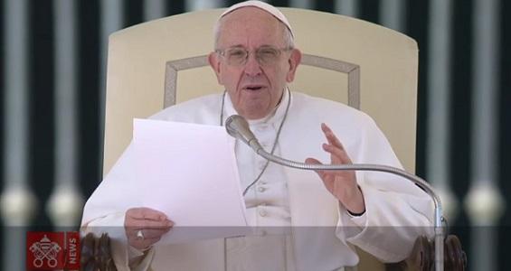 Audiência Geral: Papa afirma que não estamos sós na luta contra o mal