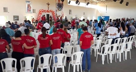 Cerca de 500 pessoas participam do Encontro Diocesano das Famílias