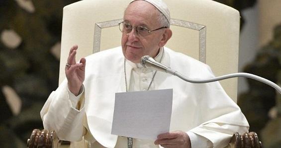 """Catequese do Papa: Na oração cristã não há espaço para o """"eu"""""""