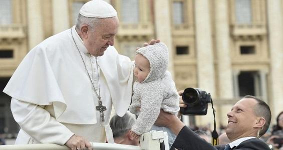 Papa na catequese: alimento não é propriedade privada
