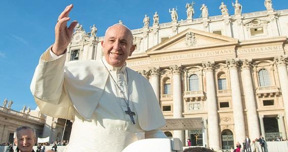 Catequese do Papa: quem escolhe Cristo não recorre ao mago, a magia não é cristã