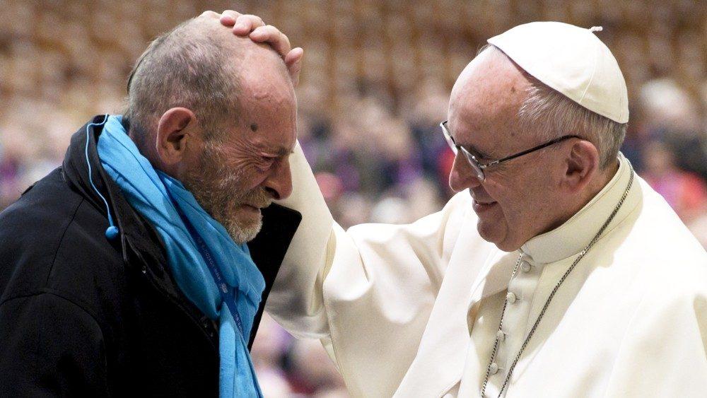 Papa encontrará 500 pobres em Assis no Dia Mundial dos Pobres